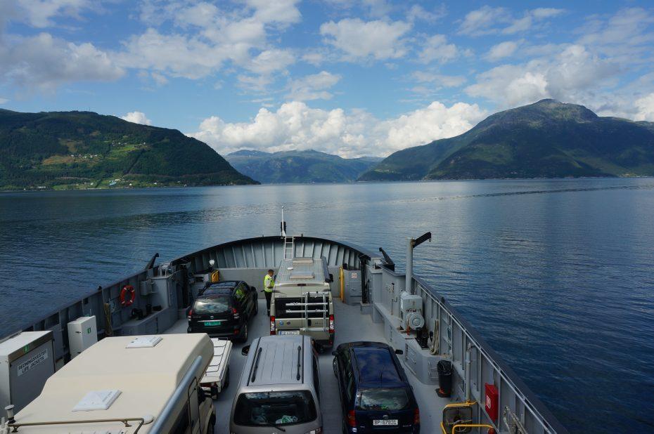 Overtocht - Kinsarvik naar Kvanndal