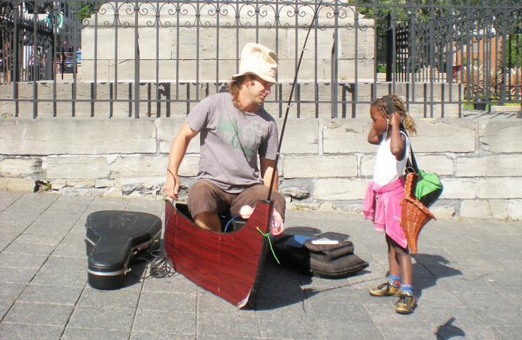 Hele aardige mensen, die Canadezen! Foto: straatmuzikant in Montreal - Top 5 vriendelijkste landen ter wereld