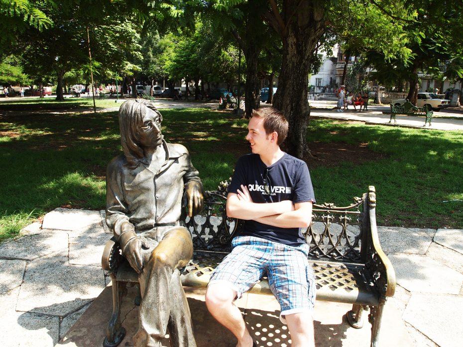 Reporter Jesper met muzikant John Lennon in Havana.