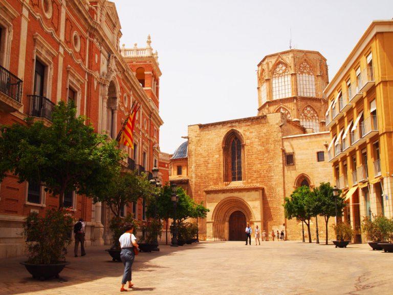 Prachtige wandeling door het oude sfeervolle centrum van Valencia