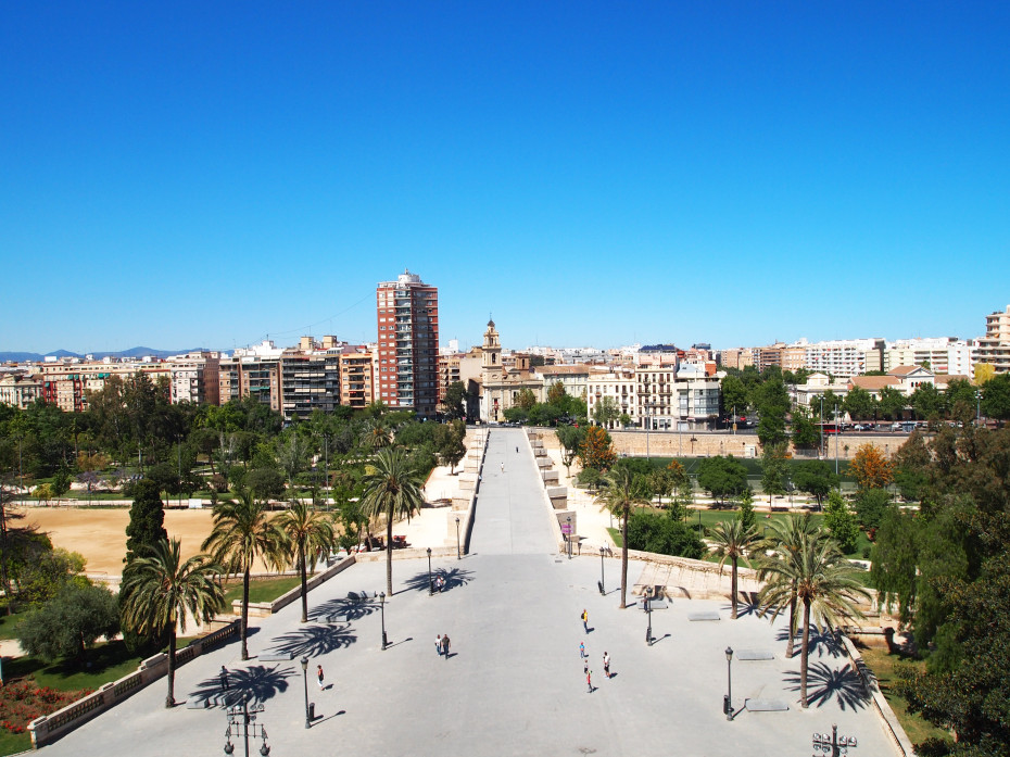 Uitzicht vanaf de Serrano Torens in Valencia