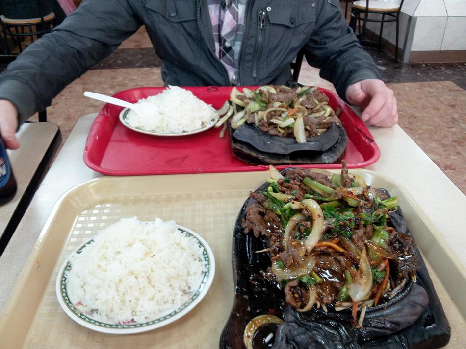 Eten in de Chinese foodcourt!