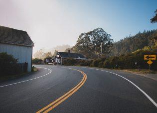 10 perfecte songs voor een roadtrip!