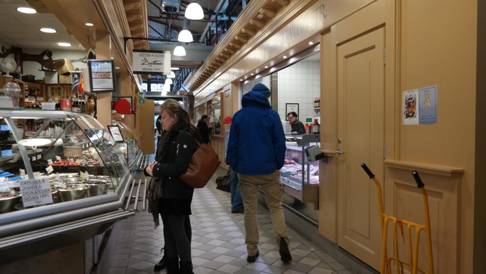 De Stora Saluhallen is de 'markthal' van Göteborg.