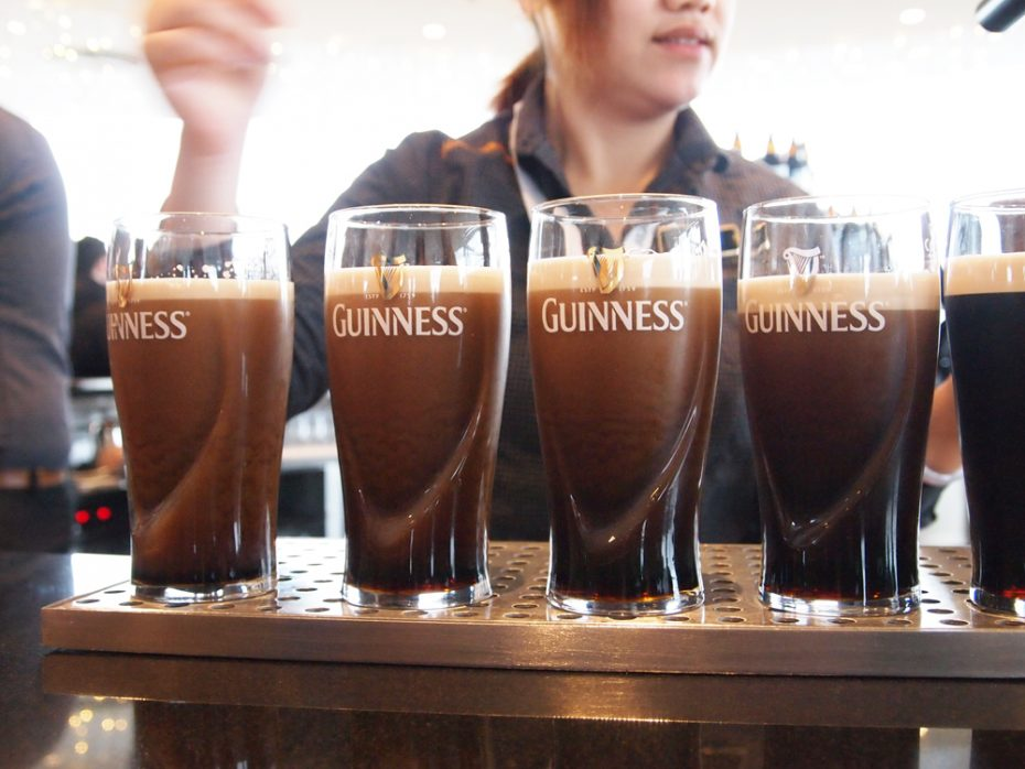 Guinness drinken in Guinness Storehouse met prachtig uitzicht!