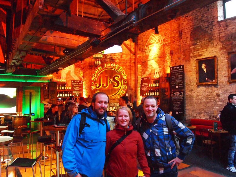 Reporters Bert, Marloes en Martin bij The Old Jameson Distillery in Dublin!