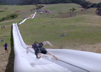 De langste waterglijbaan ter wereld in Nieuw-Zeeland!