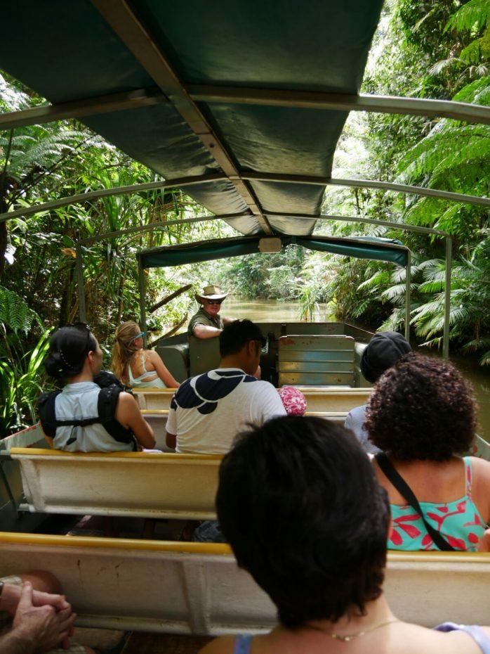 Boottocht door het regenwoud