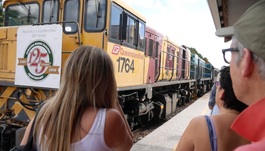 Aankomst van de trein op het Freshwater Station!