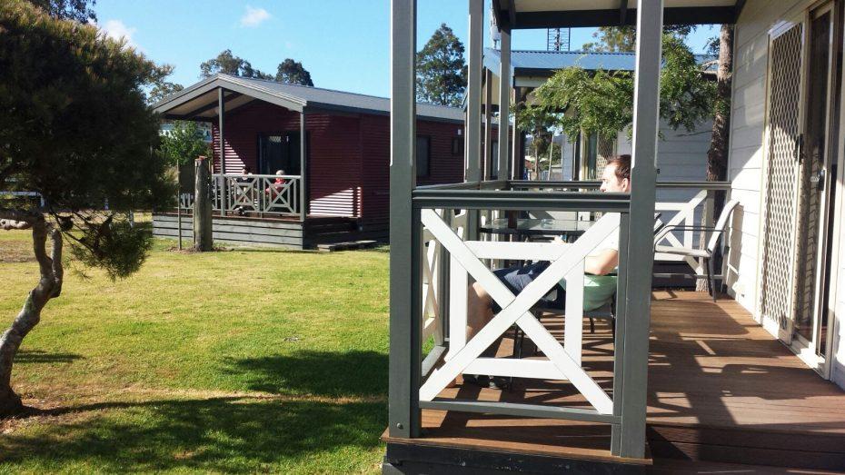 Even genieten van het zonnetje - Eden Gateway Holiday Park