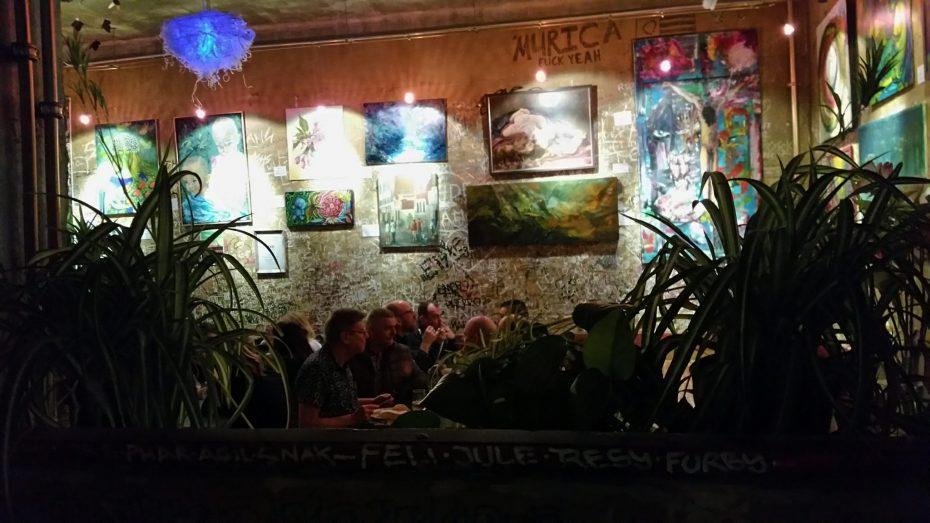 Eten en drinken bij Szimpla Kert