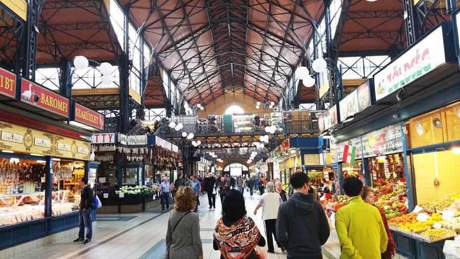 Even een rondje lopen in de grote Markthal van Boedapest!