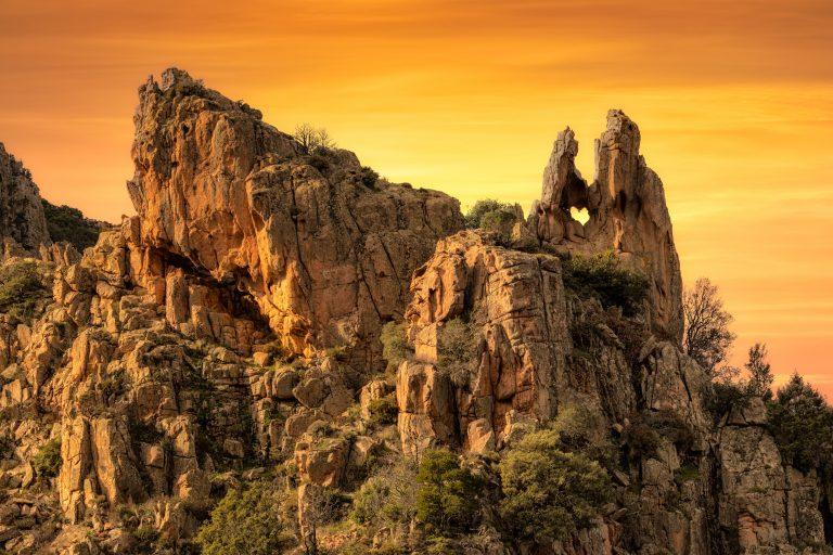 5 unieke plekken in Frankrijk - Les Calanche Cliffs