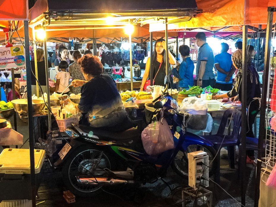 Elke Thai heeft een scooter2