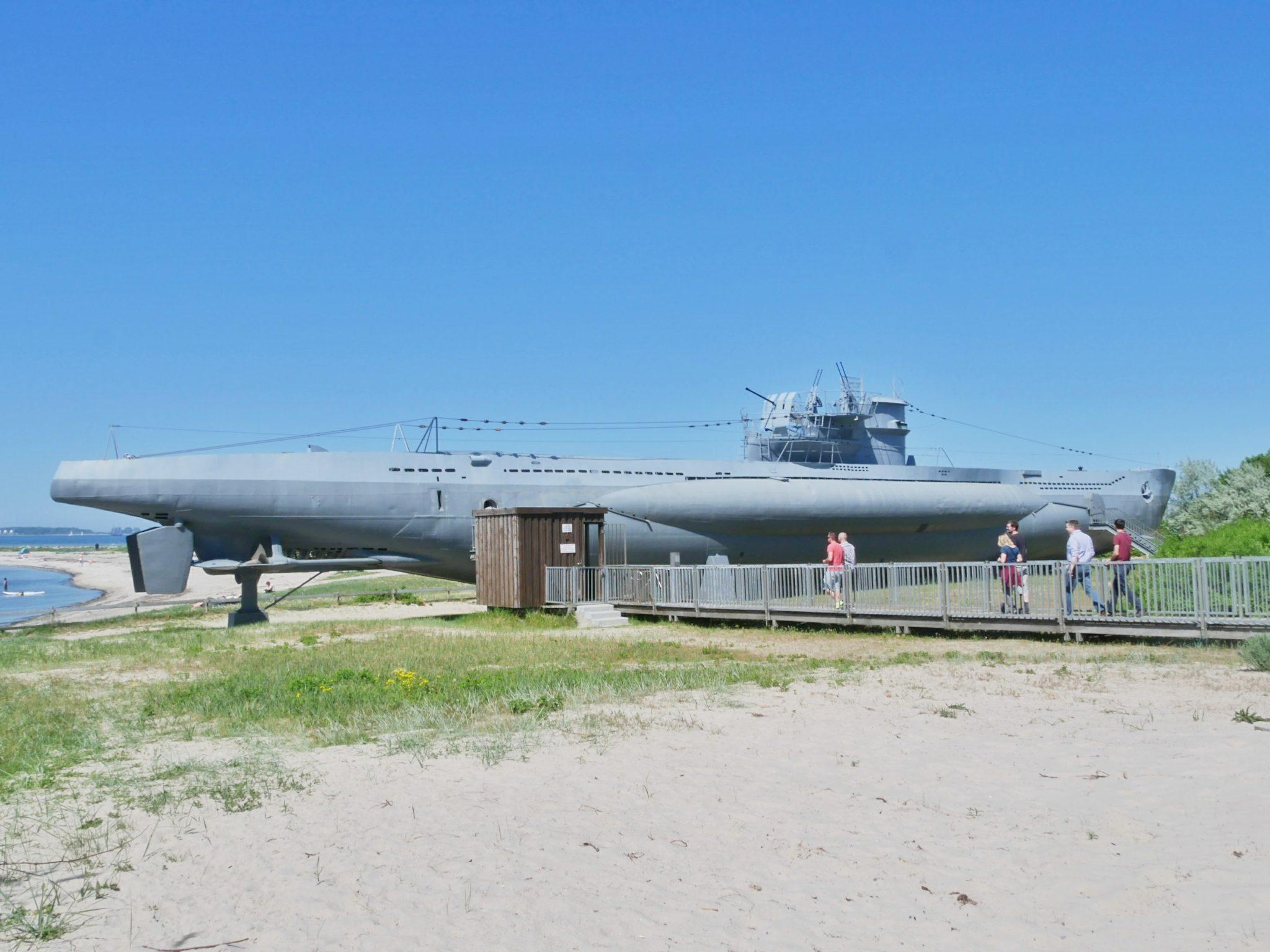 Breng ook een bezoek aan een echte onderzeeër