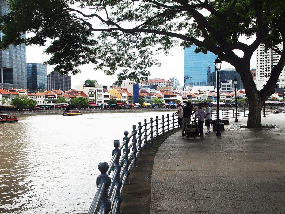 Rivier door de stad Singapore!