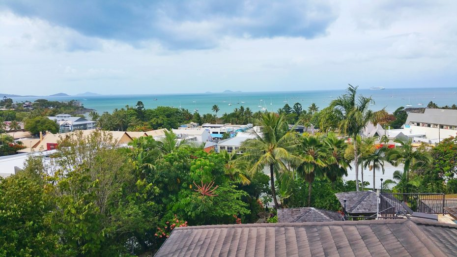 Uitzicht vanaf ons hotel in Airlie Beach