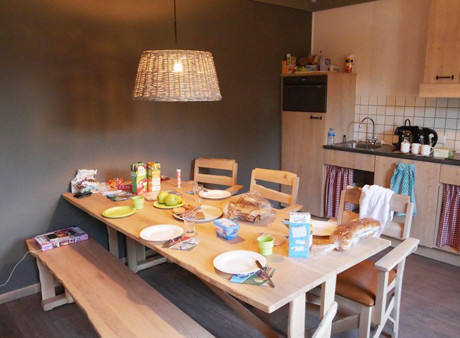 Aaaaan tafel!!! Klaar voor het ontbijt!