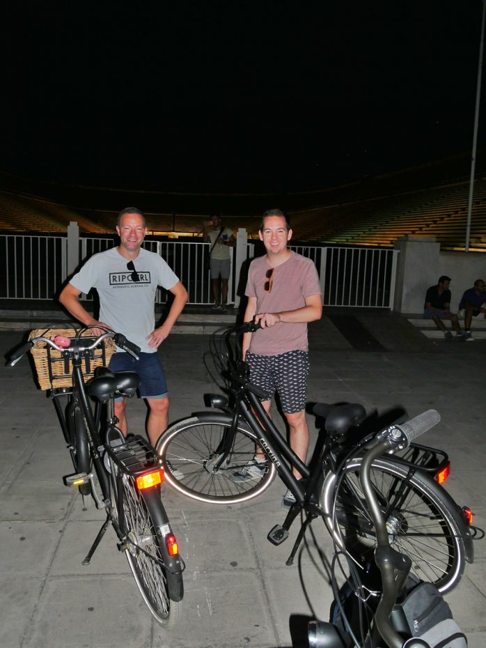 Reporters Martin en Jesper tijdens de foodsafari