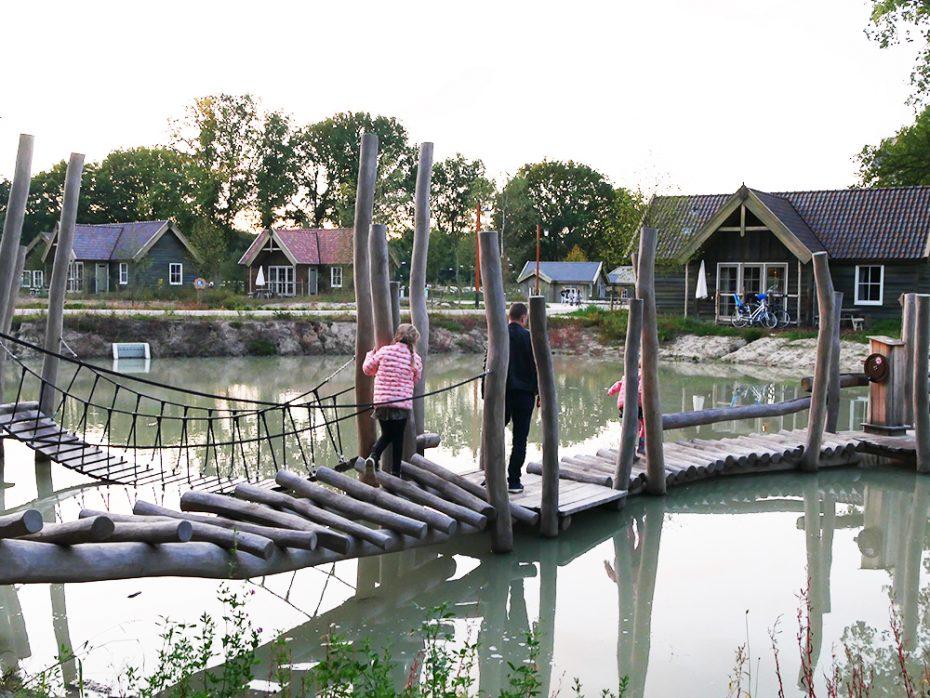 Loopbruggen over het water
