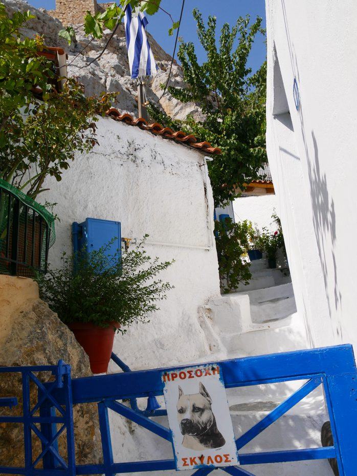 Smalle straatjes in de Plaka in Athene