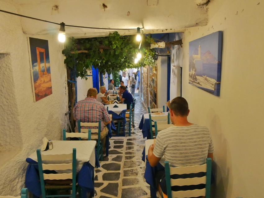 Sfeervol eten in Naxos-stad
