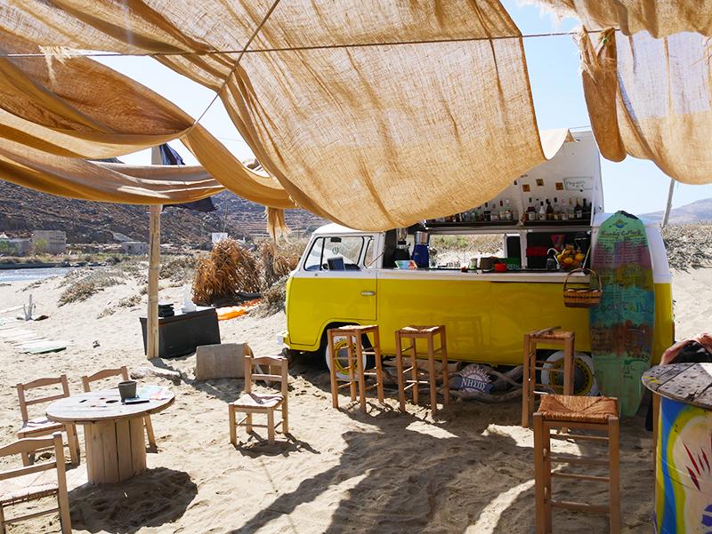 Hip strandtentje op Tinos -Tinos Kolibithra Beach