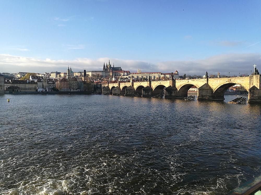 Charles Bridge - met de trein naar Praag