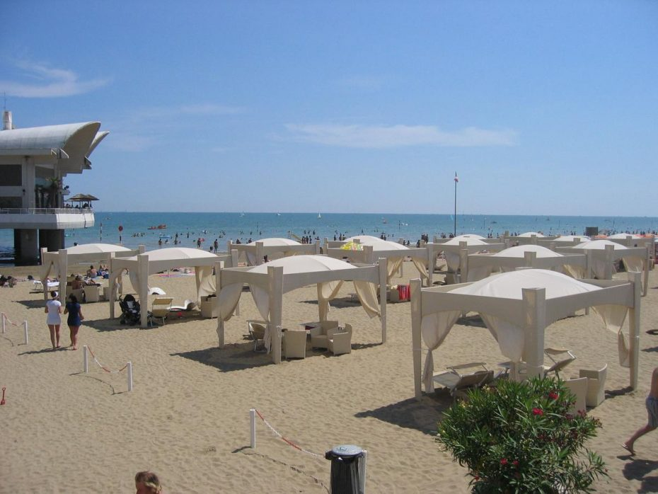 Het strand - Green Village Resort