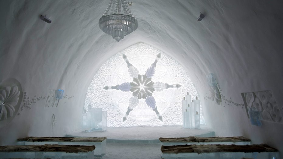 Prachtige abdij in het ijshotel