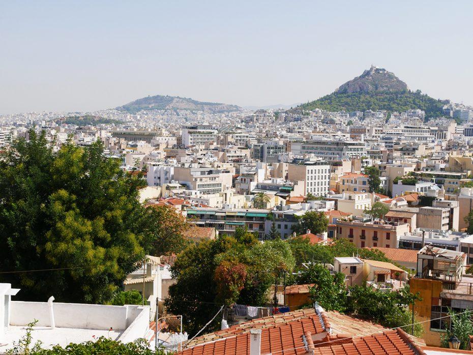 Uitzicht vanaf Plaka over de stad