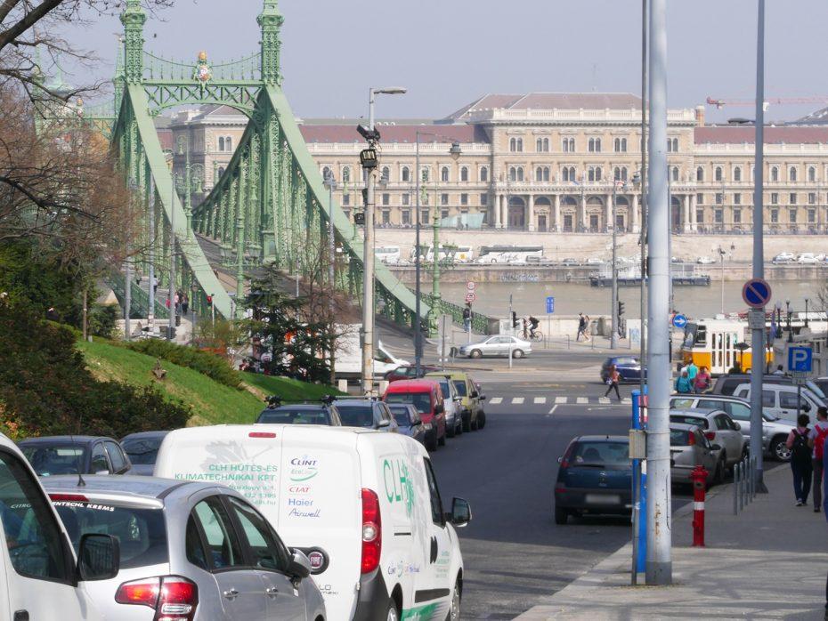 Met de auto naar Hongarije