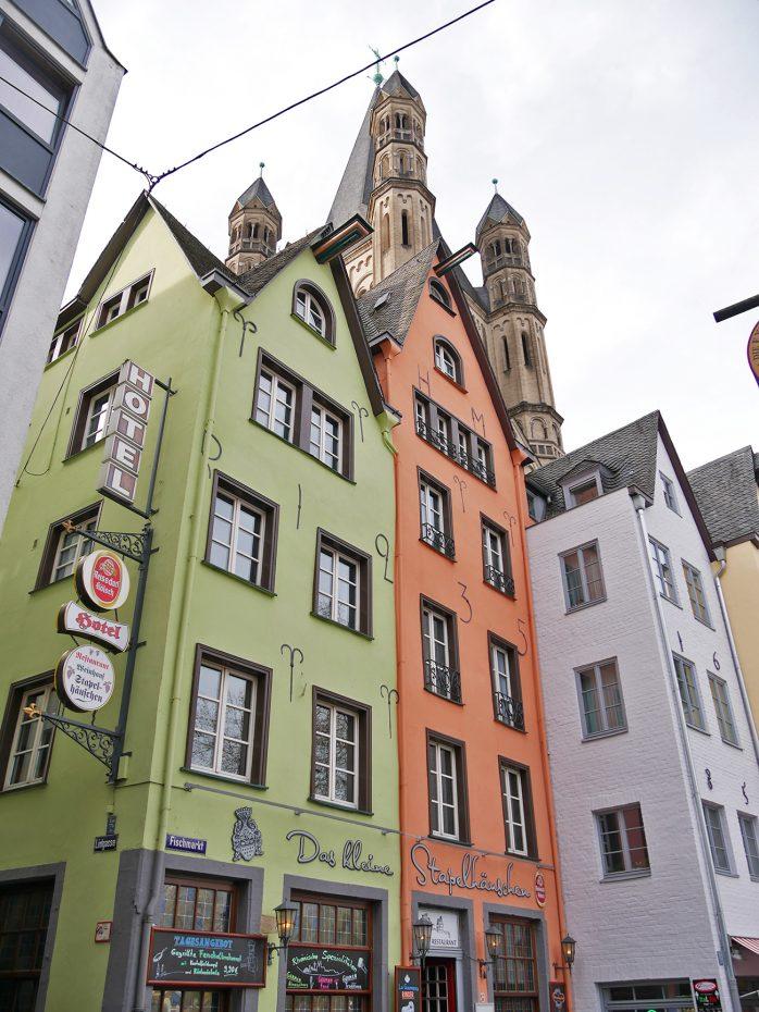 Leuke gekleurde huisjes in Keulen