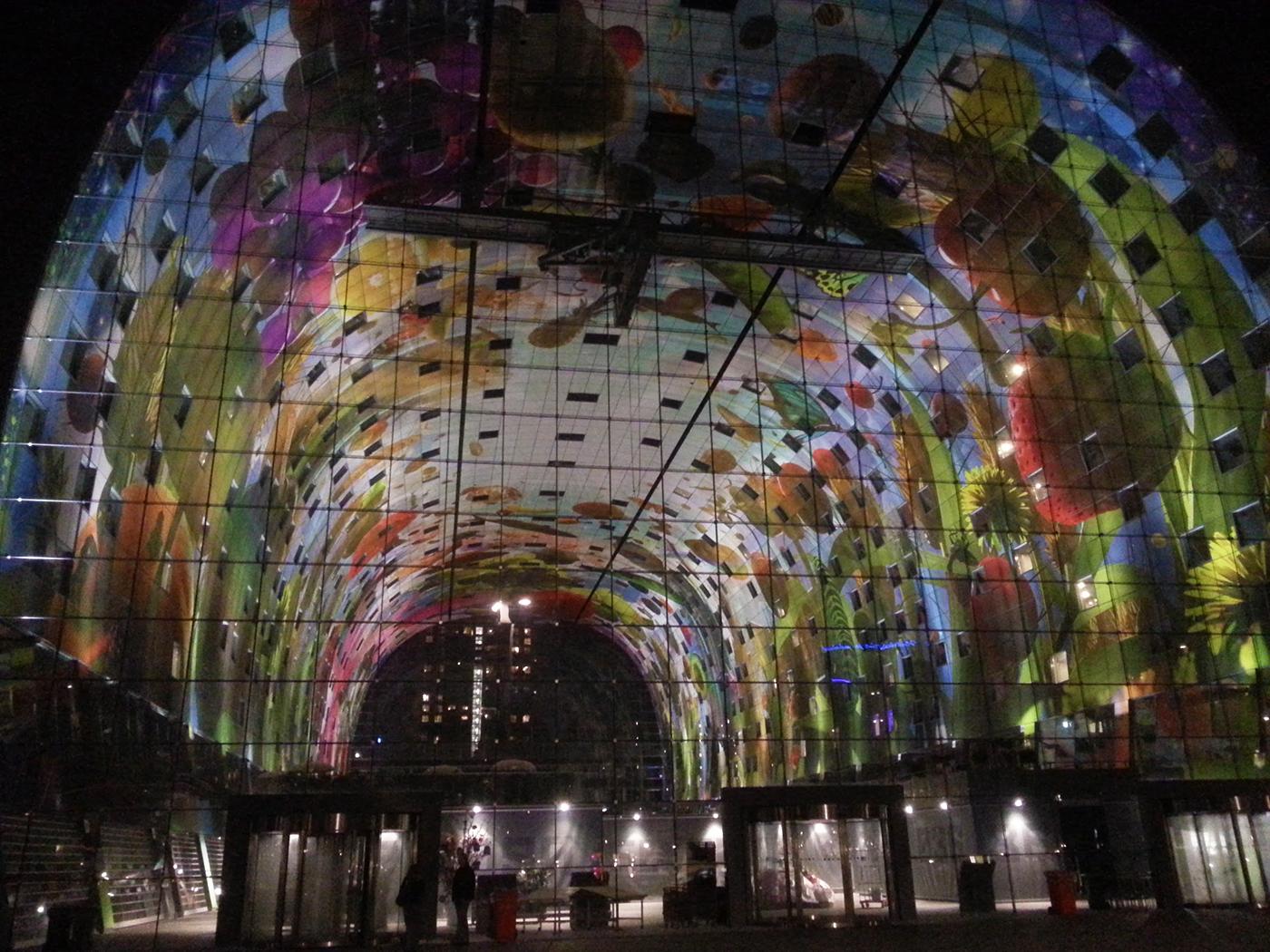 Bezoek de markthal in Rotterdam tijdens een stadswandeling