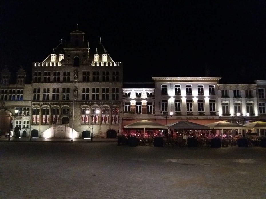 Bergen op Zoom in de avond!
