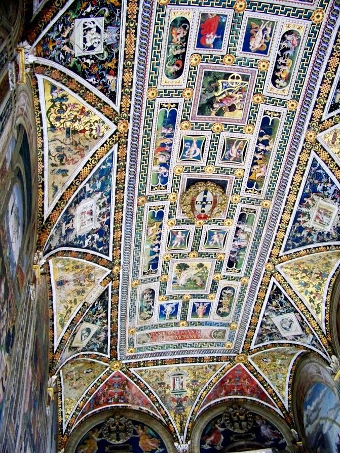 Binnenkant van Duomo di Siena