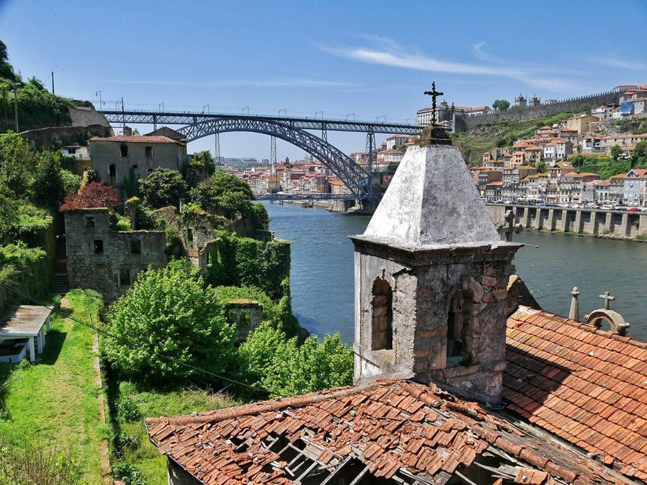 Porto is een hele mooie en romantische stad