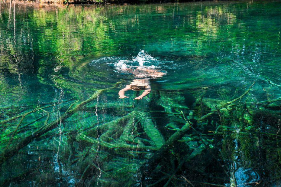 Zwemmen in het meer Kiikunlähde