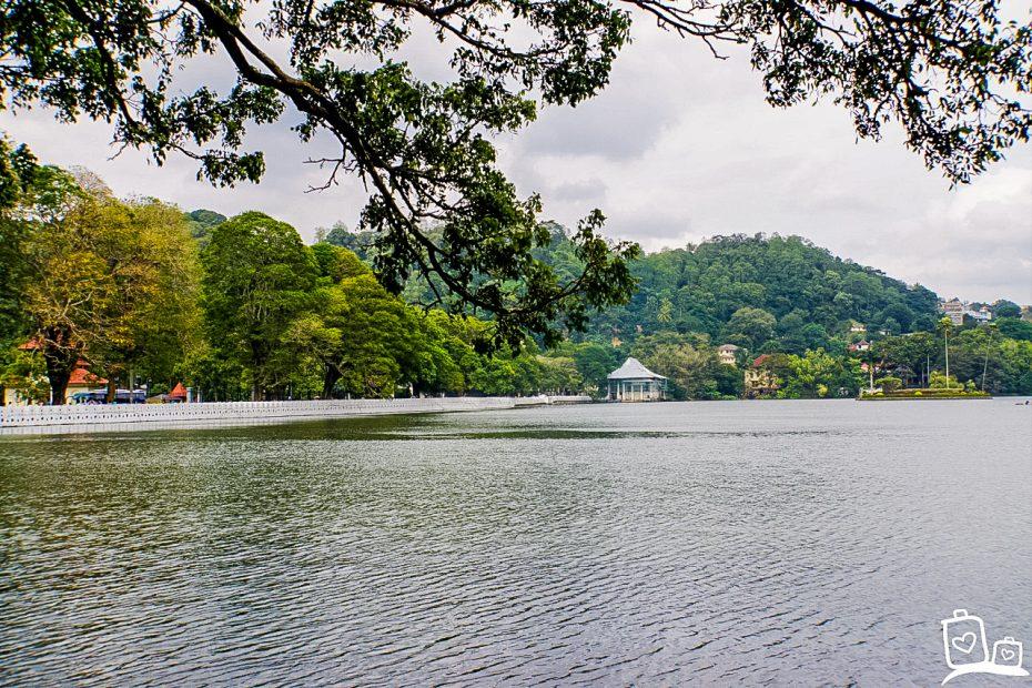 Het grote meer bij Kandy