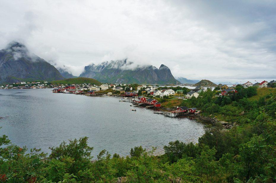 Typische rode vissershuisjes