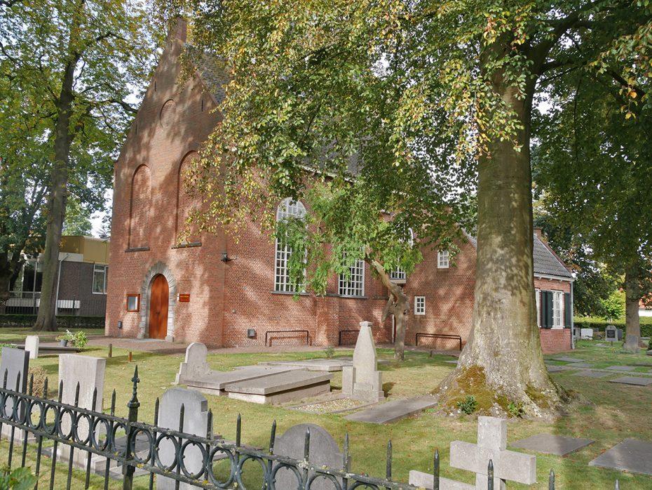 Van Gogh Tour: Van Gogh Kerkje in Zundert en kerkhof waar zijn broertje ligt
