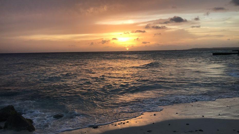 Sunset Snakebay - De verborgen parels van Curaçao