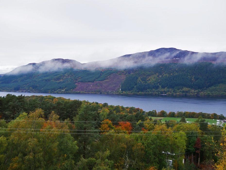 Uitzicht vanuit onze accommodatie op het Loch Ness