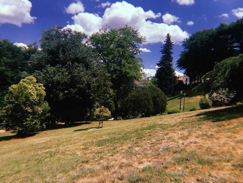 Onthaasten in het park in Madrid