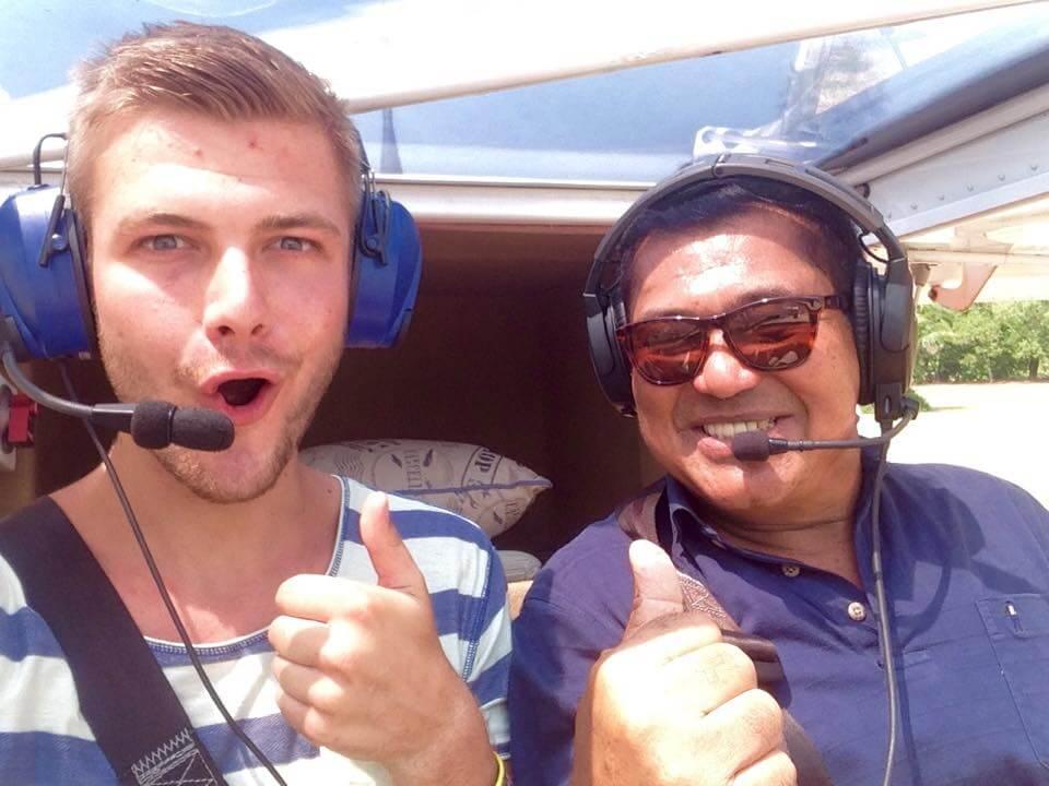 Van deze man uit Thailand mocht ik zelfs een middagje mee vliegen in zijn vliegtuig...