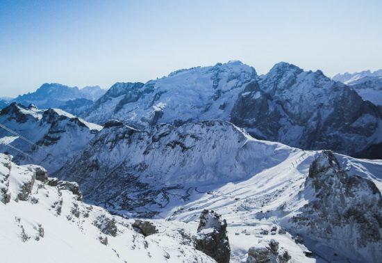 Wintersport in Canazei, Dolomieten Italië