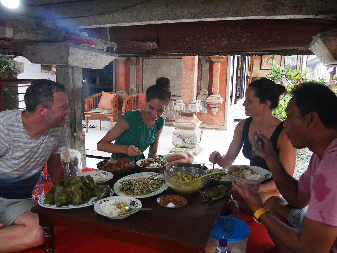 Eten bij locals, een hele mooie ervaring!