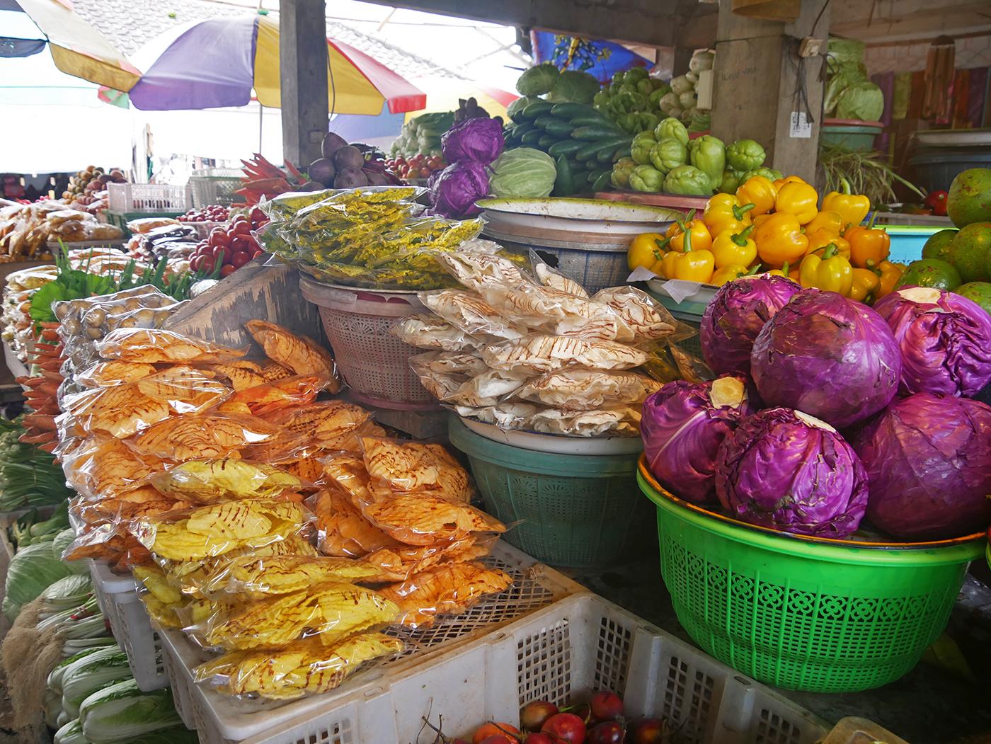 Een bezoek brengen aan de markt