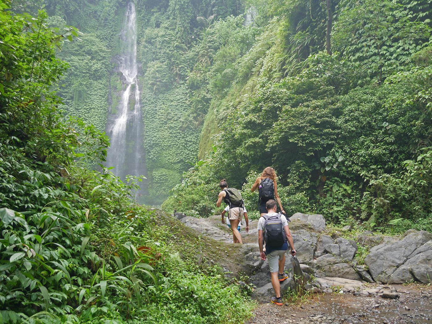 Onderweg naar de waterval