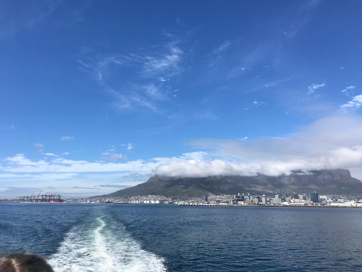 Met de boot naar Robbeneiland
